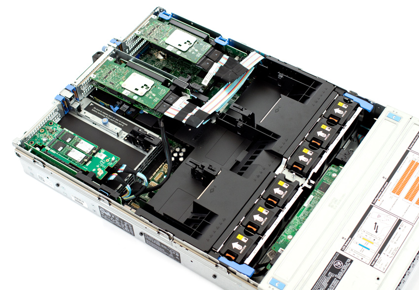 Server Dell PowerEdge R740xd Inside